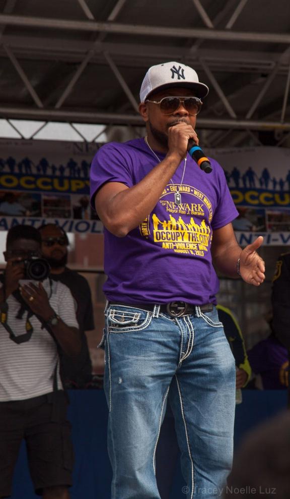 Amiri Baraka addresses the crowd.